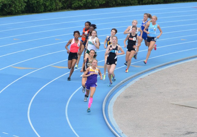 2012 IHSA State 800m Finals Lap 1