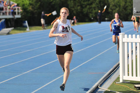 Adams wins last year's 1600 title/suntimes photo